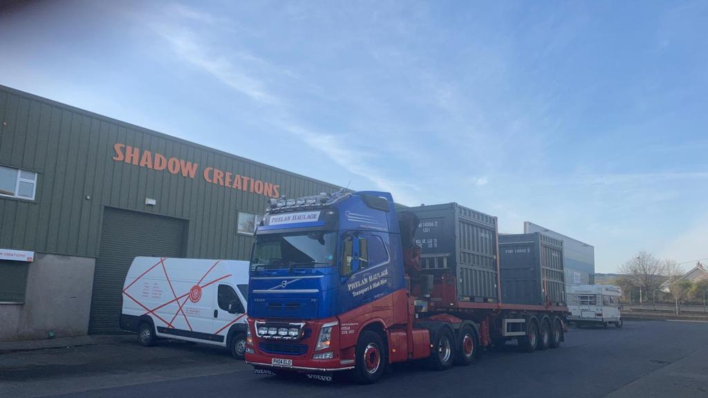 phelan_haulage_hiab_hire_container_kiosk_transport11