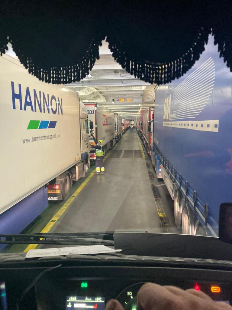 phelan_haulage_hiab_hire_container_kiosk_transport12