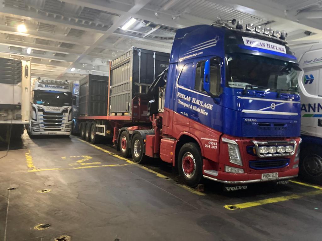 phelan_haulage_hiab_hire_container_kiosk_transport17
