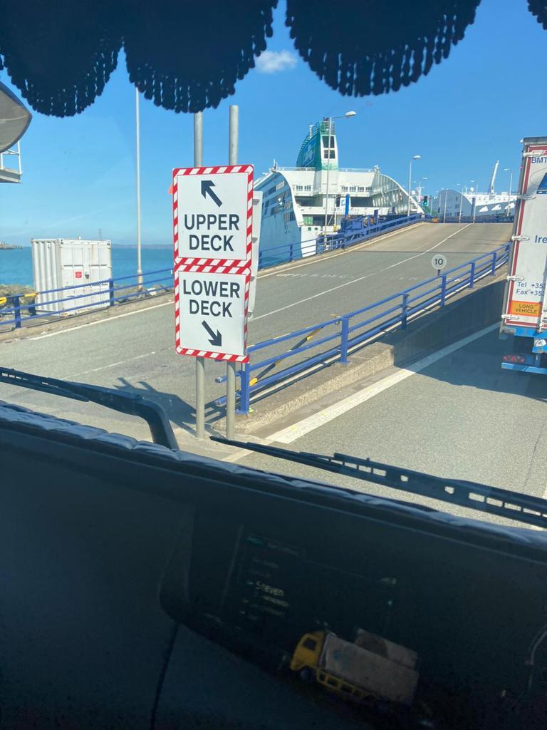 phelan_haulage_hiab_hire_container_kiosk_transport7